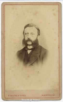 portretfoto Mr. Adriaan Jakob Sassen (voorzijde)
